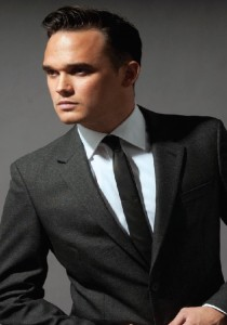 Bunn Leisure has confirmed Gareth Gates as one of its headline entertainment acts.