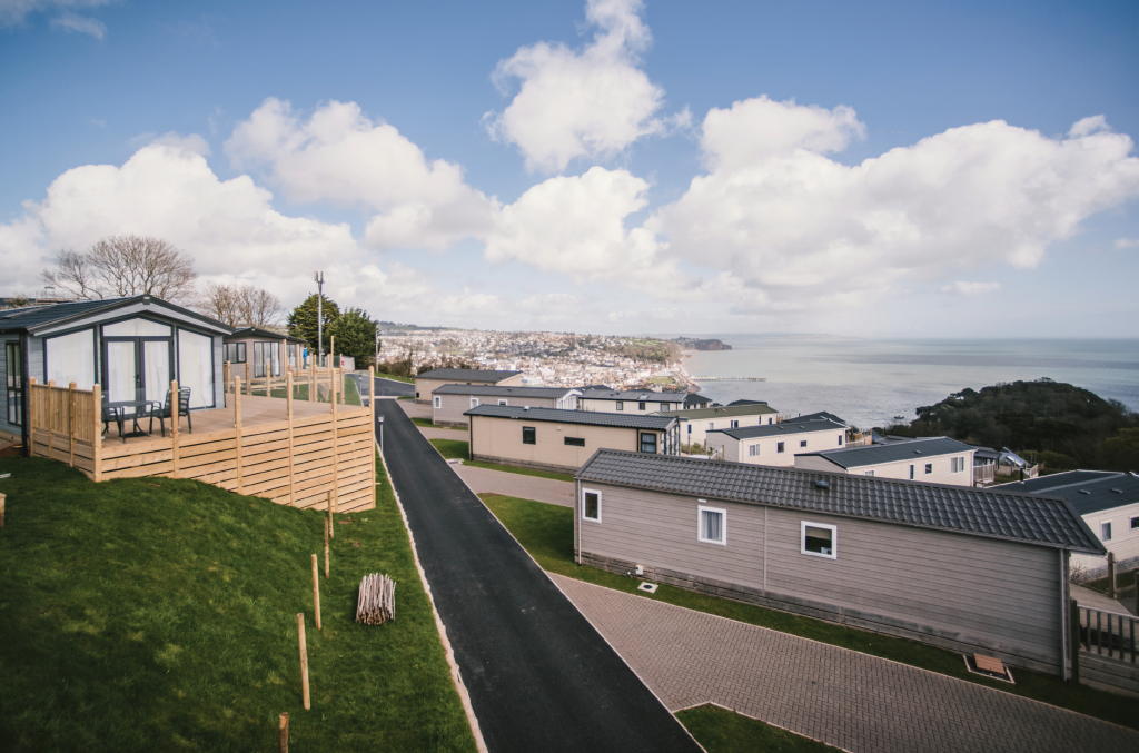 At Coast View there is a mixture of accommodation on offer to suit all tastes and budgets, including spacious luxury lodges, modern wooden chalets and static caravans