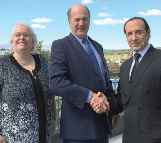 Martin Cox (centre) with retiring EFCO&HPA president, Guylhem Féraud, and vice president Linda Gedink.